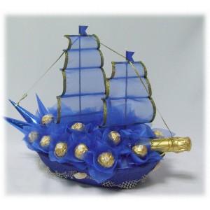 Фрегат синийДоставка букетов из конфет возможна при оформлении заказа не ранее чем за 2 (два) рабочих дня до планируемой даты доставки.<br><br><br>...<br>
