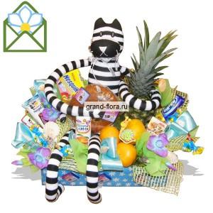 Сладкие островаДоставка букетов из конфет возможна при оформлении заказа не ранее чем за 2  (два) рабочих дня до планируемой даты доставки.<br><br><br><br>Ведь все детишки любят конфеты, а еще больше игрушки и фрукты, поэтому мы предлагаем композицию Сладкие остро...<br>