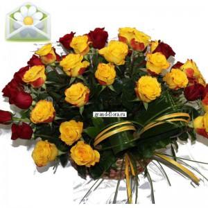 С ЛюбовьюШикарная и сногсшибательная корзинка цветов будет отличным подарком не только для ваших родных и друзей, но и для коллег и бизнес-партнеров. Отличный дизайн, элегантный вид и божественный аромат роз делают эту композицию уникальной и незабываемой. Е...<br>