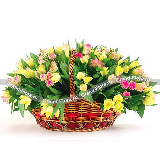 Купить Единственной - Корзина Из Тюльпанов И Кустовых Роз