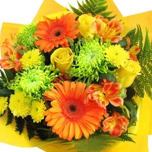 Лучший деньЯркая, насыщенная страстью и светом цветовая палитра из гербер, роз и хризантем, великолепно подойдет для подарка, как мужчине, так и женщине, когда чувства осмысленны, проверены и так же свежи, как в первый день! Сделает самый обычный день луч...<br>