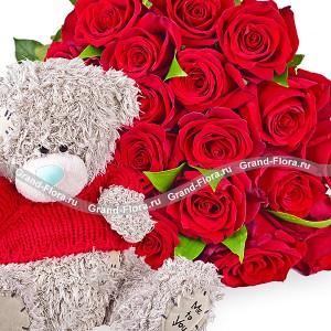 Букет красных роз + плюшевый медведьВсе мы в душе чуточку дети..Дополните Ваш презент в виде роз очаровательным мишкой Тедди!Это гарантировано поднимит настроение самым маленьким принцессам и звездочкам постарше!...<br>