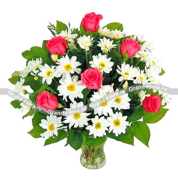Идиллия - букет из хризантем и роз