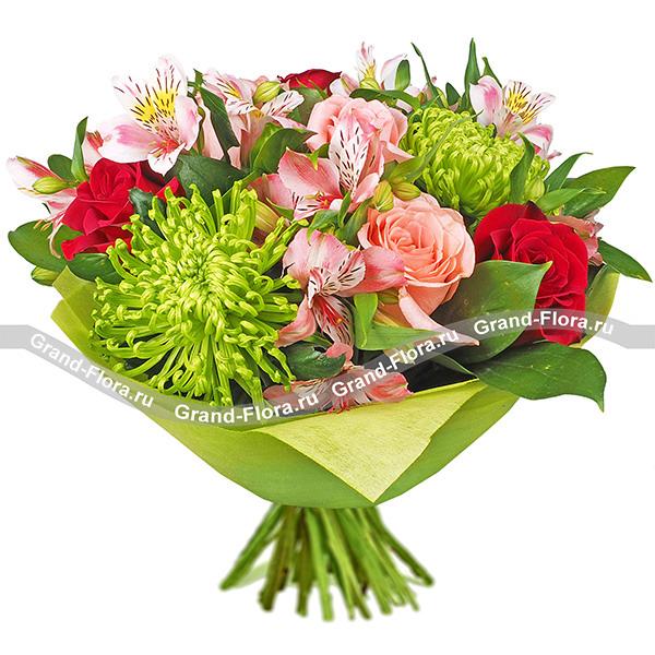 Букет из красных и розовых роз - Утренняя свежесть