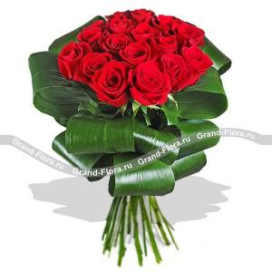 АнжеликаБукет Анжелика – это страстные алые розы, оформленные таким образом, что напоминают даму Высшего света, в платье с кринолинами и высокой прической.<br>Благородство и изящество роз не требует много слов, зато сам букет весьма красноречив. Идеальный под...<br>