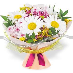 Признание в любви - букет из ромашек и хризантем