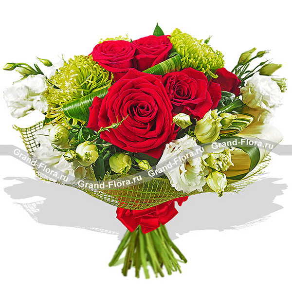 Букет благородных оттенков из роз, эустом и хризантем