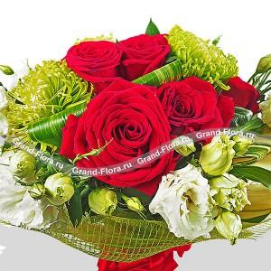 Букет из красных роз и эустом - Изысканность...<br>