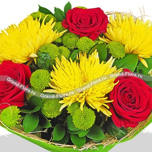 Благородный блеск - букет из красных роз и хризантемы...<br>