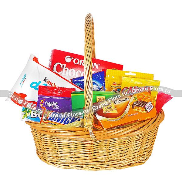 Подарочные корзины Гранд Флора Корзина со сладостями - подарочная корзина со сладостями фото