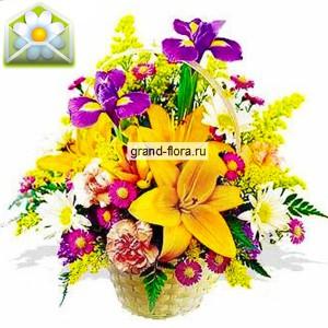 СтильКорзина лилий и ирисов – это настоящий цветочный экстаз, который поразит вас роскошным сочетанием ярких красок. Пиком композиции являются крупные желтые лилии, окруженные белыми хризантемами и сиреневыми ирисами. Милым дополнением к этой композиции ...<br>