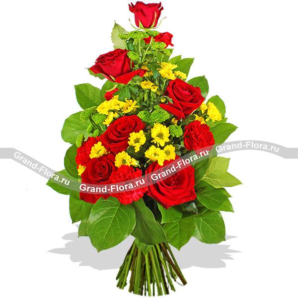 Цветы Гранд Флора Вертикальный букет из красных роз - Надёжный берег фото