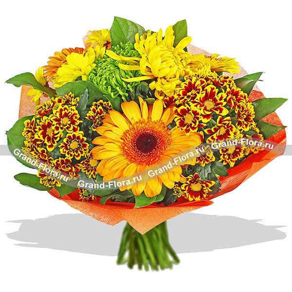 Яркий букет из хризантем и гербер