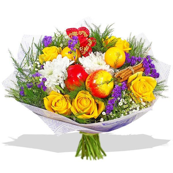 красивый смешанный букет из роз , хризантемы и декора