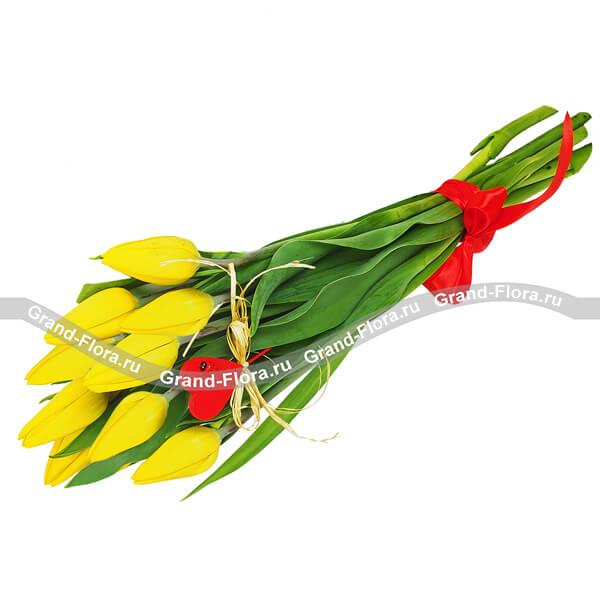 Солнечный привет - букет из желтых тюльпанов