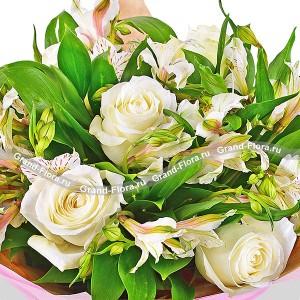 Кремовые розы с альстромериями - Жемчужное ожерелье...<br>
