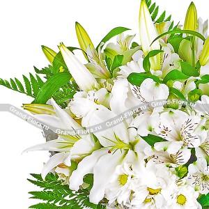 Чистый лист - букет из лилий и хризантемы...<br>