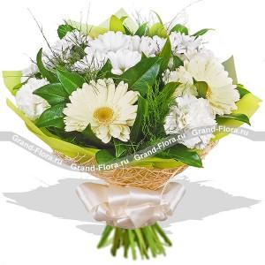 Ласковое утро - букет из белых гербер,хризантем и гвоздик...<br>