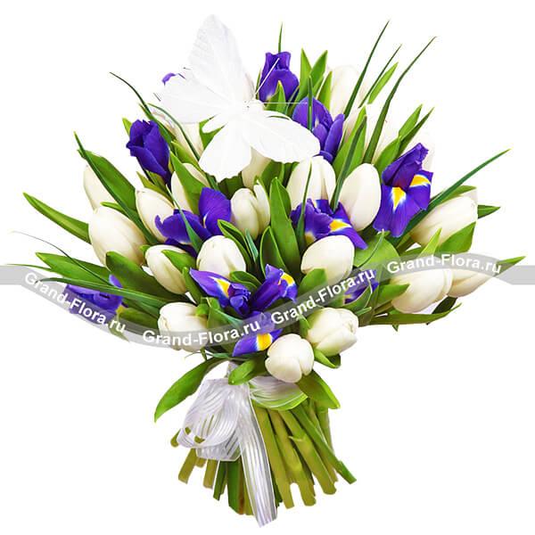 Леди Босс - букет из белых тюльпанов и ирисов от Grand-Flora.ru