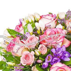 Сны о тебе - букет из розовой и белой розы с эустомой...<br>