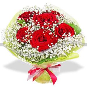 Красивый букет из красных роз - Легкость