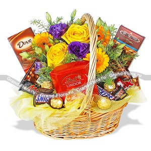 Подарочная корзина + жёлтые розы - Жизнь в шоколаде...<br>
