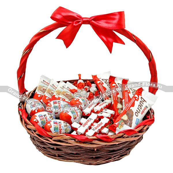 Детское счастье - корзинка со сладостями