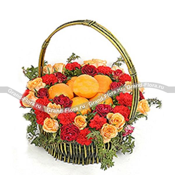 """Корзина с фруктами и цветами """"Радость"""""""