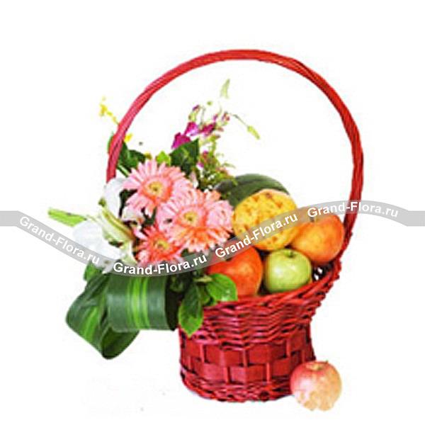 """Корзина с фруктами и цветами """"Яблоки и герберы"""""""