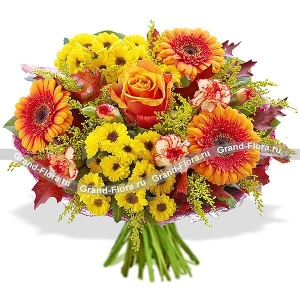 Солнечный букет из хризантем, гербер и роз
