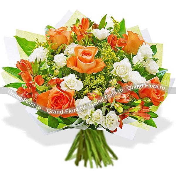 Цветные кружева - букет из оранжевых роз и альстромерий