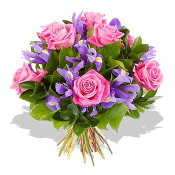 Букет роз в ирисах
