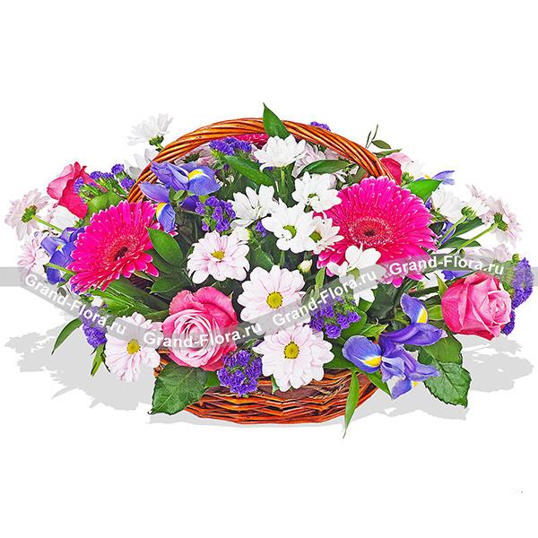 Приятный сюрприз - букет из роз и хризантем