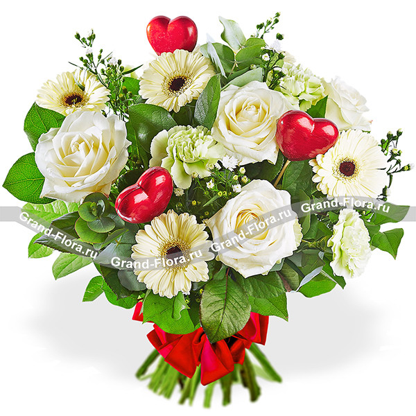 Тепло весны - букет из белых роз и гербер