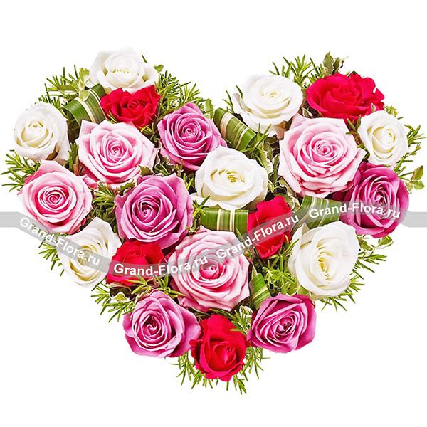 Сердце для Любимых - композиция на оазисе  из роз в виде сердца
