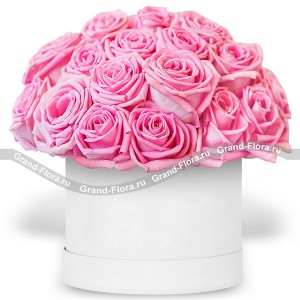 Свидание с ангелом - коробка с разноцветными розами