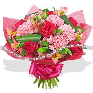 Розовый букет из красных роз - Фламинго