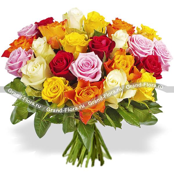 Мечты сбываются - букет с белой орхидеей и кустовыми розами