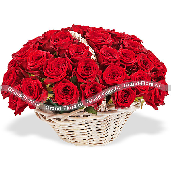 Танец любви - корзина красных роз