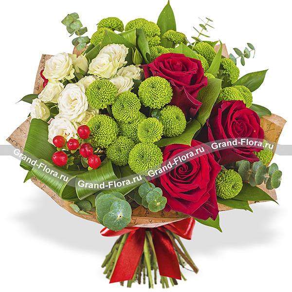 Цветы Гранд Флора Пламенное сердце - Букет из роз и хризантем фото