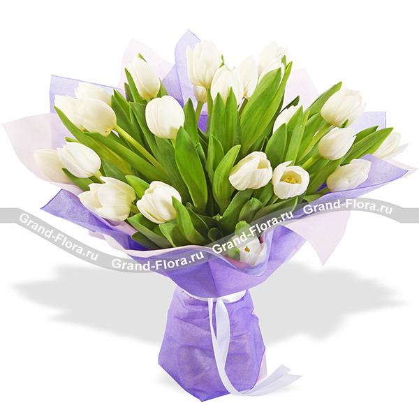 Искреннее счастье - букет из белых тюльпанов