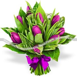 Созвездие - букет из тюльпанов с декоративной зеленью