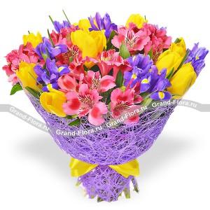 Мон Амур - букет из тюльпанов и альстромерий