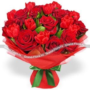 Дольче Вита - букет из роз и тюльпанов
