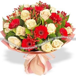 Слова любви - букет из роз и гербер