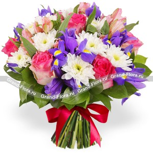 Поцелуй весны - букет из роз и кустовых хризантем от Grand-Flora.ru