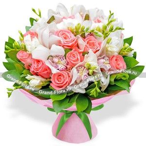 Пралине - букет из роз и орхидей...<br>