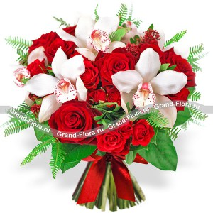 Таинственная страсть - букет из роз и орхидей...<br>