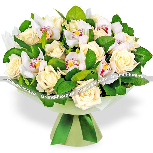Цветы Гранд Флора Свежесть весны - букет из роз и орхидей фото