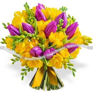 Весеннее солнце - букет из тюльпанов и фрезий...<br>